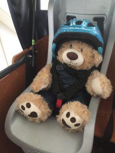 Sicherheit im Lastenfahrrad: anschnallen und Helm tragen