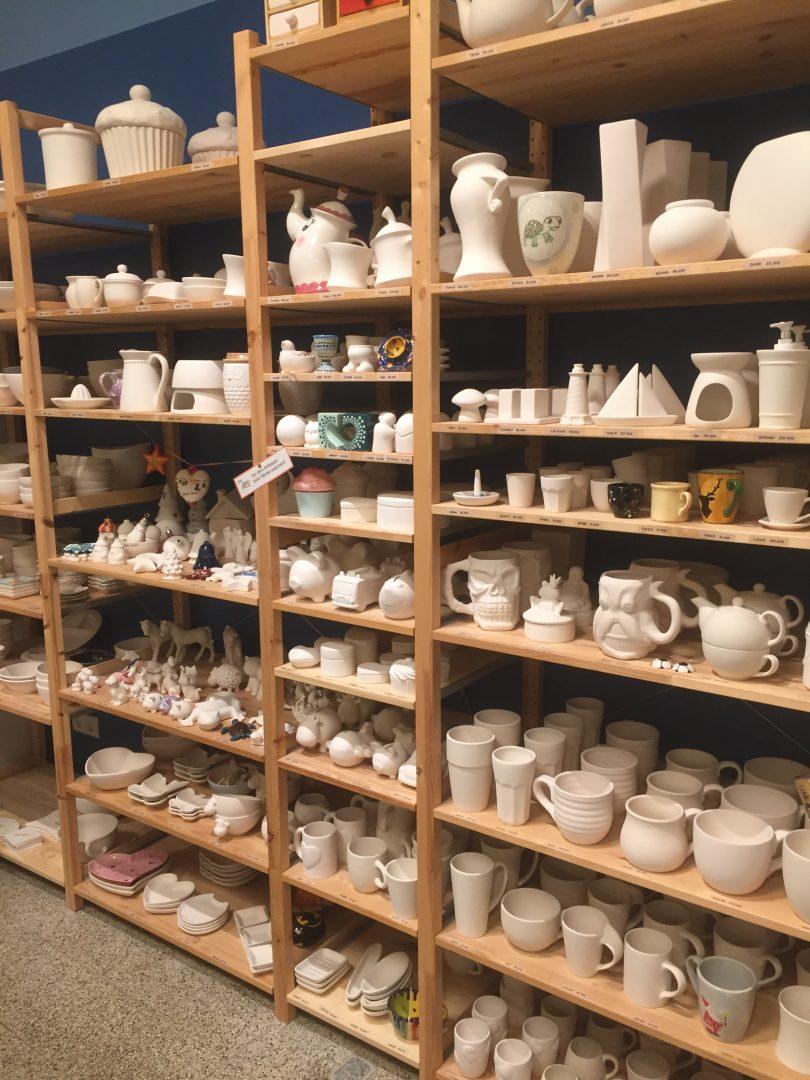 keramik selbst bemalen  kunterbunt und lebensfroh